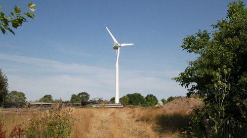 Windrad zur Energiegewinnung im Zoo Arche Noah